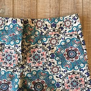 "LOFT blue & orange medallion 4"" Riviera short"